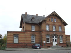 Old railway station in Gau-Odernheim, seen from the front